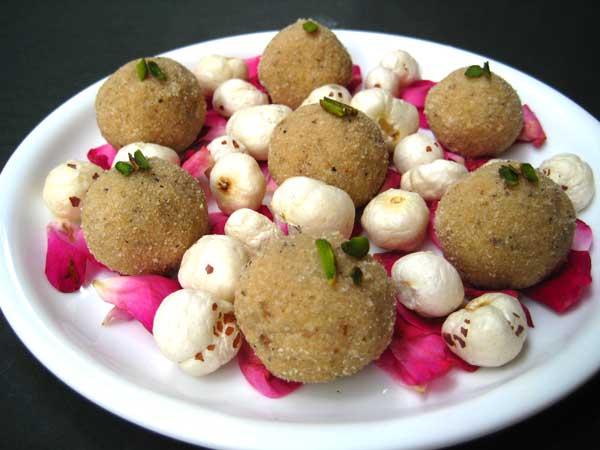 Lotus Seeds Ladoo Recipe in Hindi