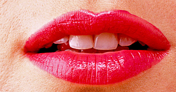 Cracked Lips - Natural Beauty Tips in Hindi