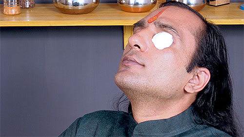 Home Remedies for Pink Eye in Hindi