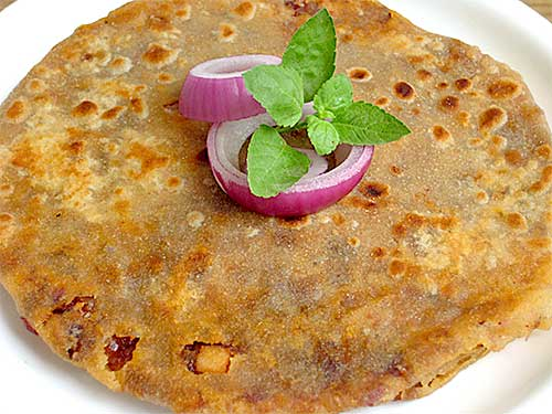 Onion Paratha Recipe in Hindi