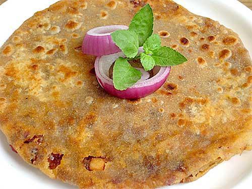 Onion Paratha Recipe in Hindi