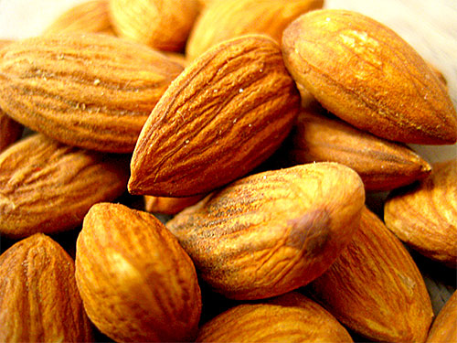 5 Health Benefits of Almonds in Hindi