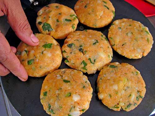 Pan fry of alootikki