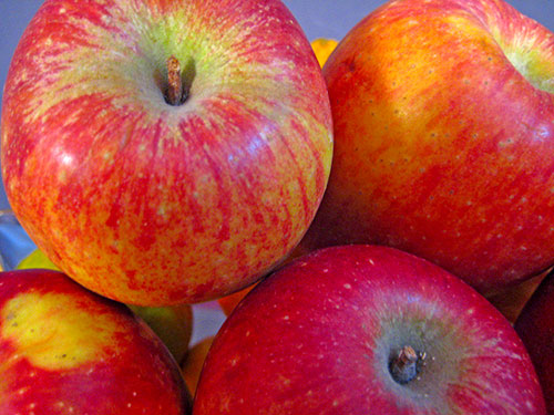 Health Benefits of Apples In Hindi