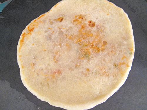 Baking Kulcha on tava