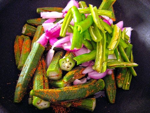 Cooking Of Stuffed Okra, Onion And Green Chillies
