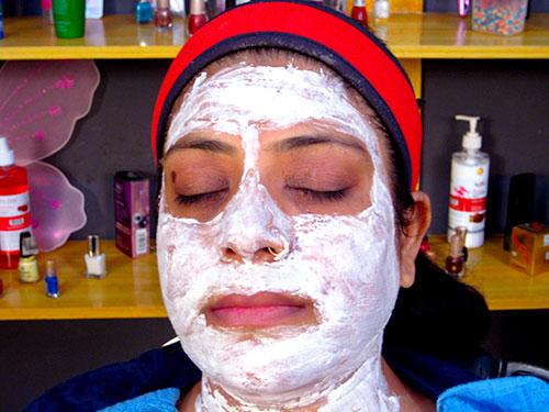 Face Bleach Procedure