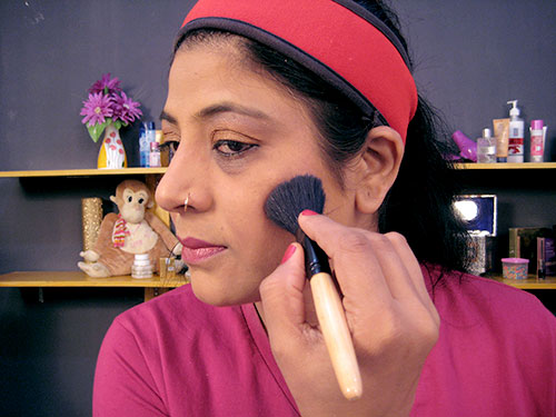 How To Do Day Makeup Step 14