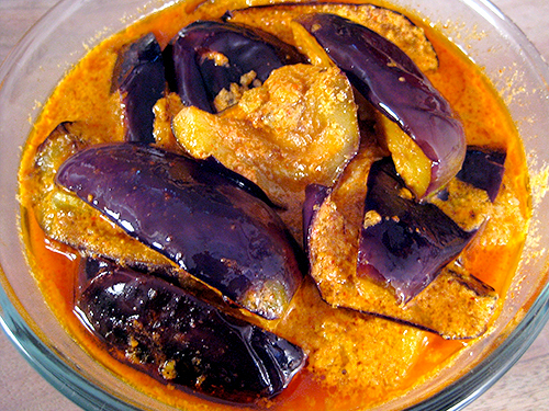 Curd Brinjal Recipe In Hindi